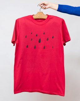 Camiseta roja de chico roja Lluvia